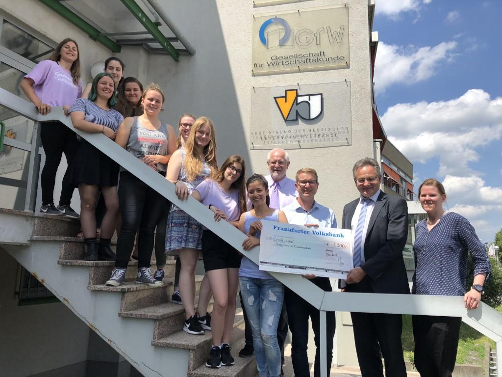 Frankfurter Volksbank unterstützt Lindenauschule bei Girls Day Akademie