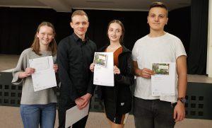 """Hannah Roth gewinnt den Regionalwettbewerb """"Jugend debattiert"""" in der Sekundarstufe II"""