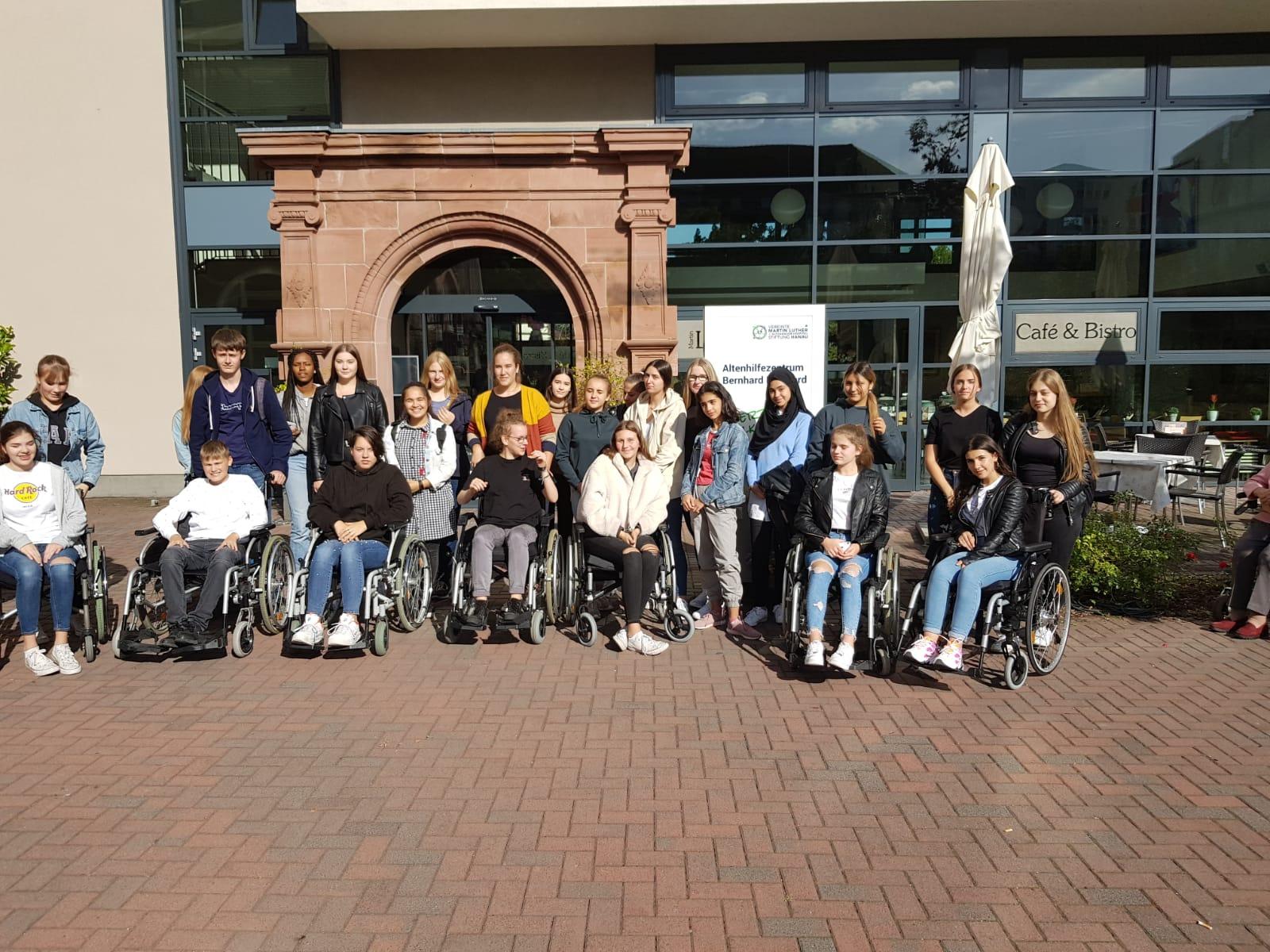 Erfolgreiche Kooperation der  der Lindenauschule und der  Martin Luther + Althanauer Hospital Stiftung Hanau geht weiter