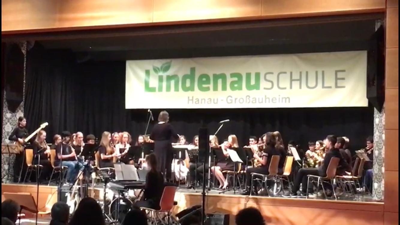 Mitreißendes Neujahrkonzert der Lindenauschule